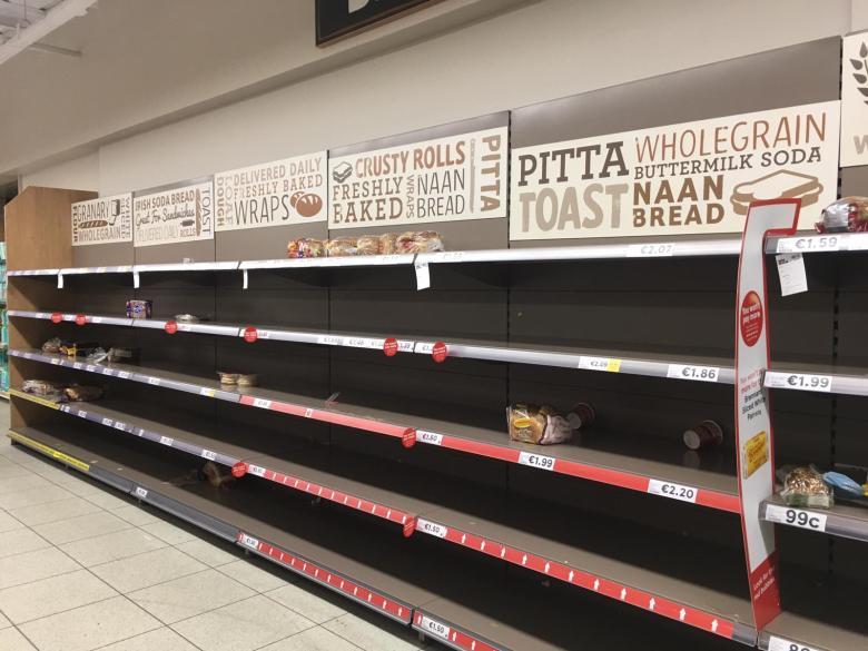 愛爾蘭的超市出現搶購潮