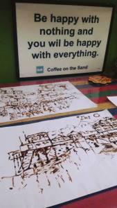 餐廳老闆閒時會畫咖啡畫