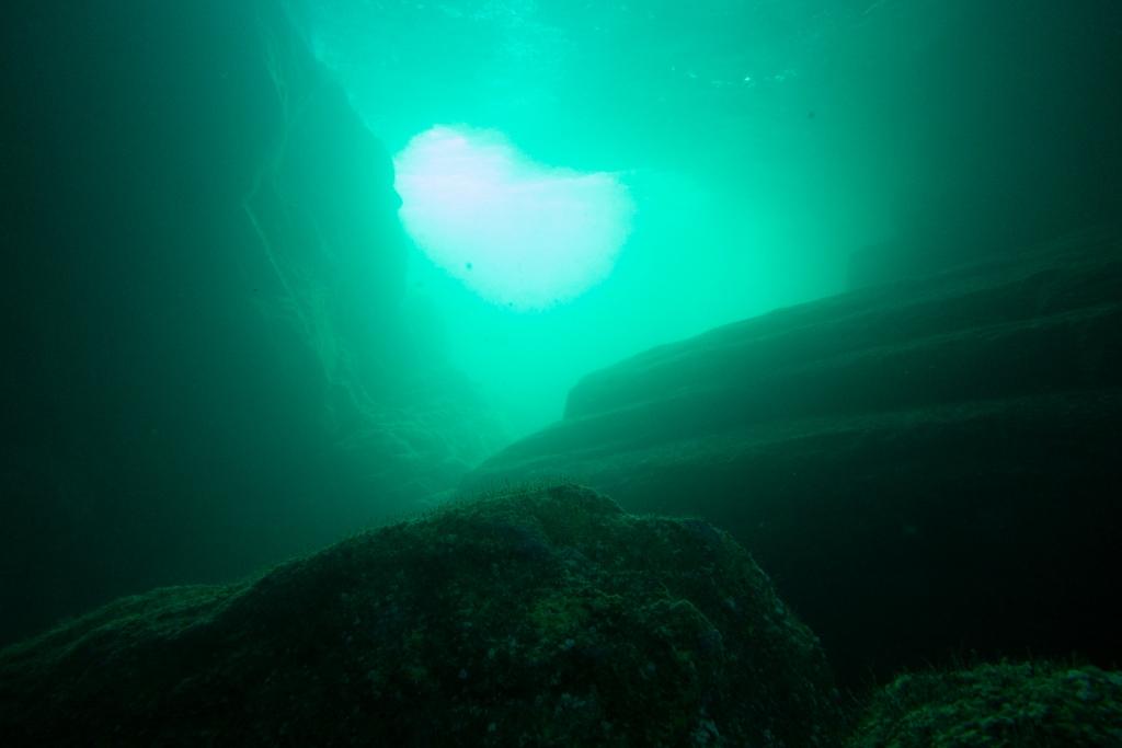 海底石道出口