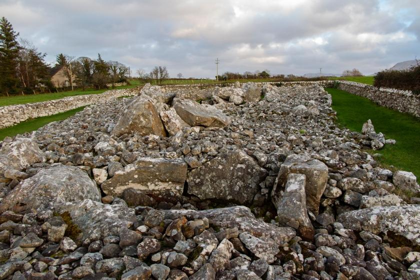 愛爾蘭最大古墓之一