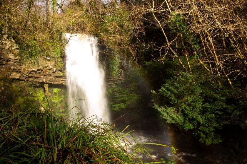瀑布與彩虹