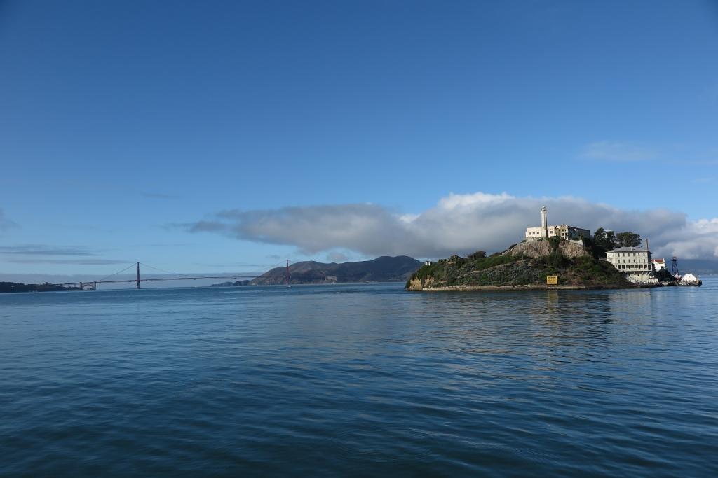 The scenery on the cruise towards Alcatraz Island